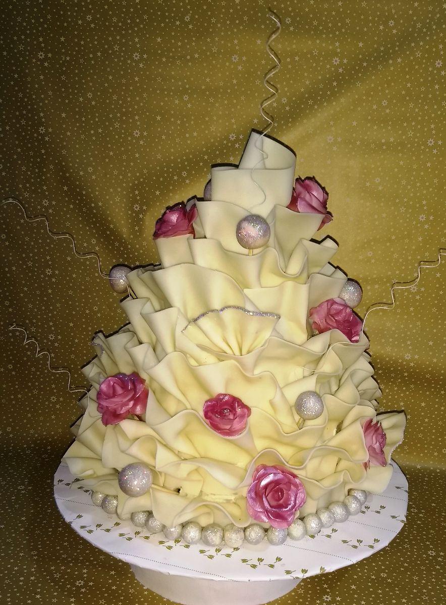 WHITE CHOCOLATE WEDDING CAKE : Simply Delicious